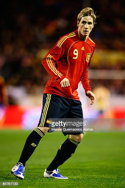 Fernando Torres of Spain in action during the International Friendly between Spain and England at the Ramon Sanchez Pizjuan Stadium on February 11...