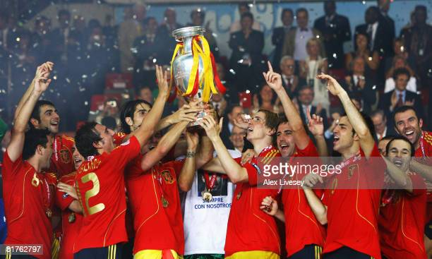 Fernando Torres of Spain lifts the trophy with team mates after the UEFA EURO 2008 Final match between Germany and Spain at Ernst Happel Stadion on...