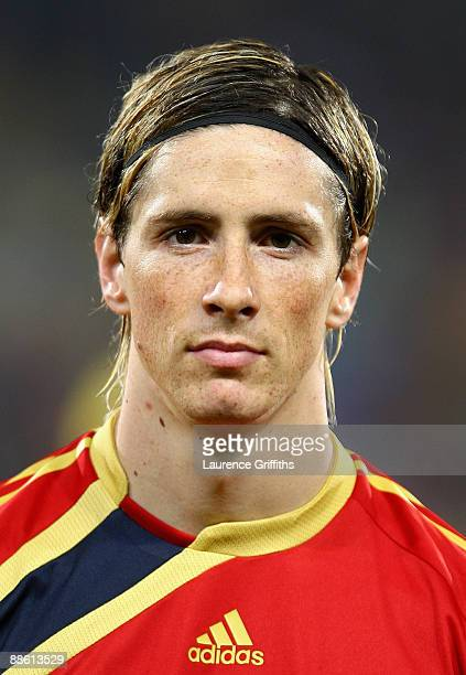 Fernando Torres of Spain lines up for the National Anthem during the FIFA Confederations Cup match between Spain and South Africa at Free State...