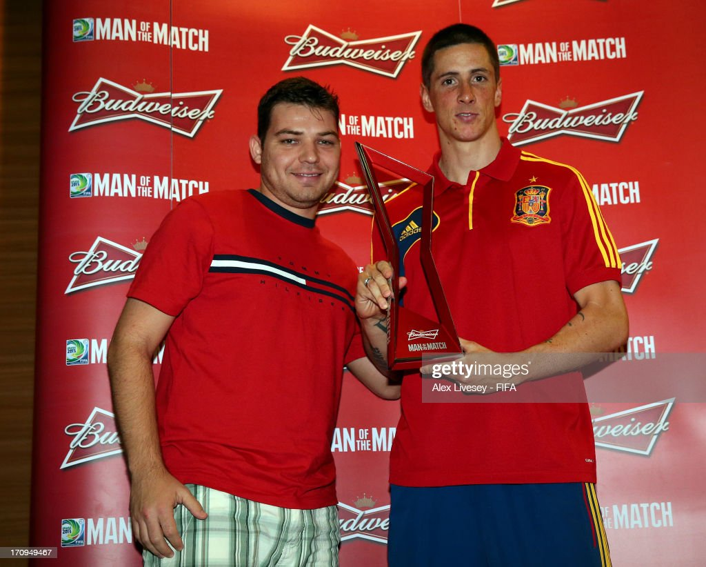Fernando Torres of Spain receives the Man of the Match award after the FIFA Confederations Cup Brazil 2013 Group B match between Spain and Tahiti at the Maracana Stadium on June 20, 2013 in Rio de Janeiro, Brazil.