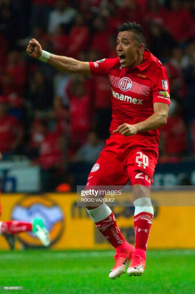Fernando Uribe of Toluca celebrates his goal against Guadalajara during the Mexican Clausura 2017 Tournament football first leg semifinal match at Nemesio Diez stadium on May 18, 2017, in Toluca, Mexico. /