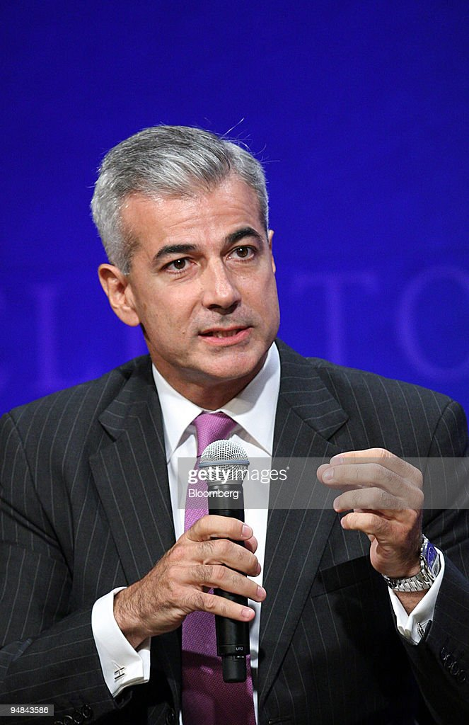 Fernando Zobel de Ayala, president of Ayala Corp., speaks at : News Photo