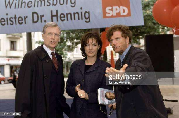 Fernsehfilm in 6 Teilen Deutschland 2000/2001 / Dieter Wedel Der selbe Drehort, an dem Dieter Wedel vor 25 Jahren den Film 'Alle Jahre wieder - die...