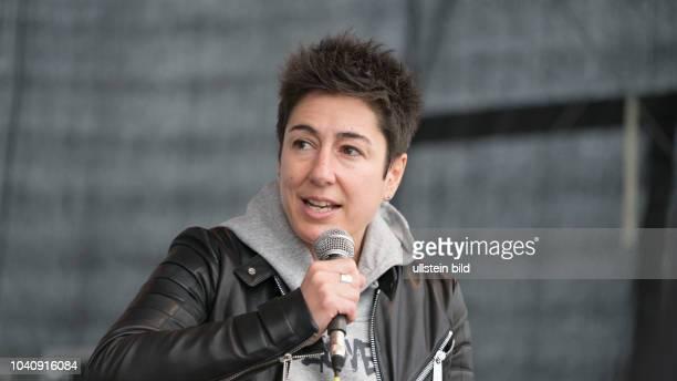 Fernsehmoderatorin und Journalistin Dunja Hayali auf dem CampfireMedienfestival in Dortmund
