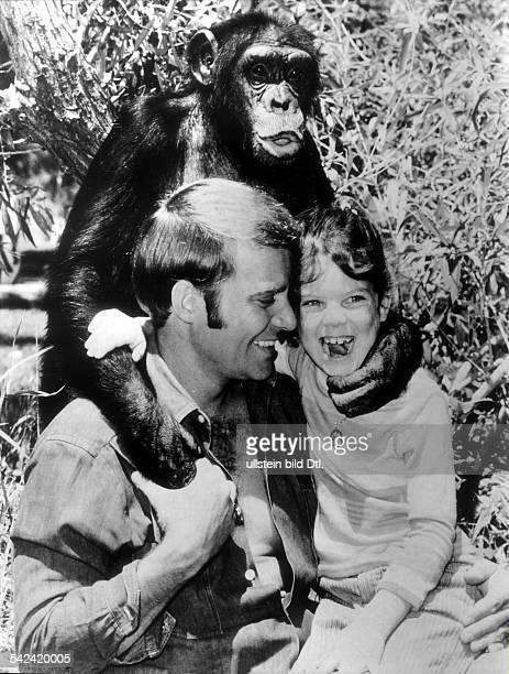 Fernsehserie 'Daktari' mit Ross Hagen Erin Moran und Schimpanse Judy 1969