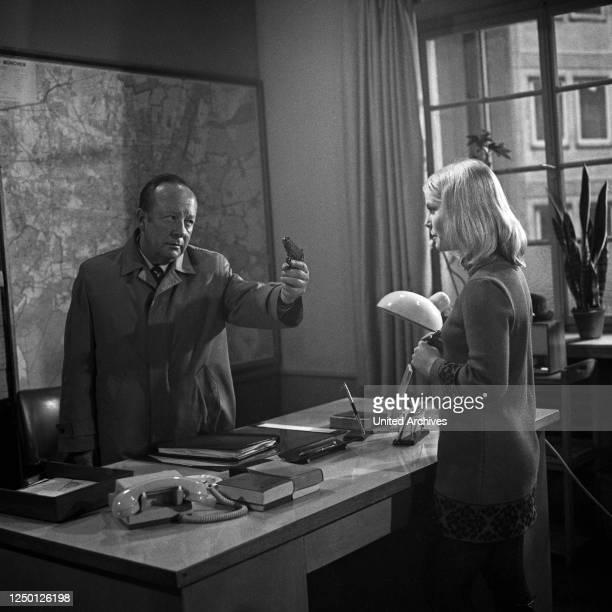 Fernsehserie Der Kommissar Deutschland 1970 Darsteller Erik Ode Monika Lundi