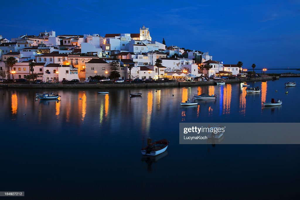 Ferragudo-ville typique de l'Algarve. : Photo