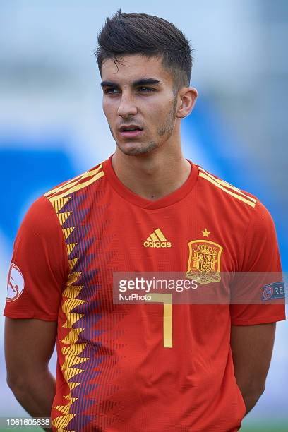 Ferran Torres of Spain looks on during the international friendly match between Spain U19 and Norway U19 at Pinatar Arena on November 14 2017 in...