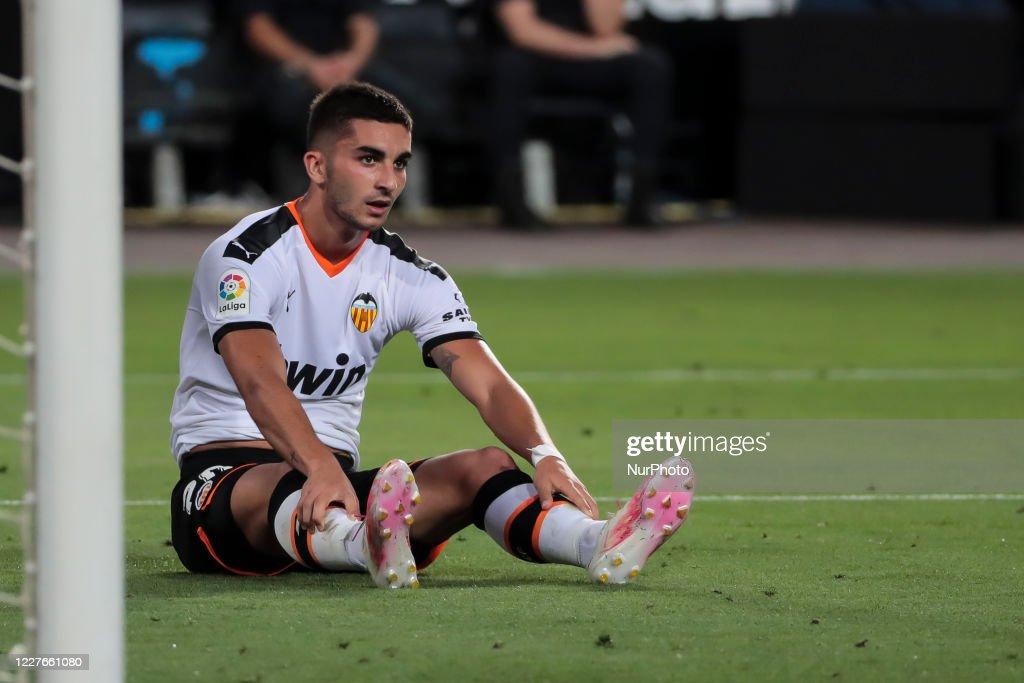 Valencia CF v RCD Espanyol - La Liga : News Photo