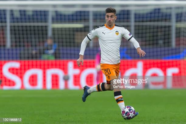 Ferran Torres of Valencia FC controls the Ball during the UEFA Champions League round of 16 first leg match between Atalanta and Valencia CF at San...