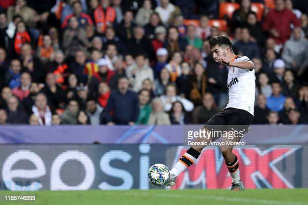 Ferran Torres of Valencia scores his team's fourth goal during the UEFA Champions League group H match between Valencia CF and Lille OSC at Estadio...