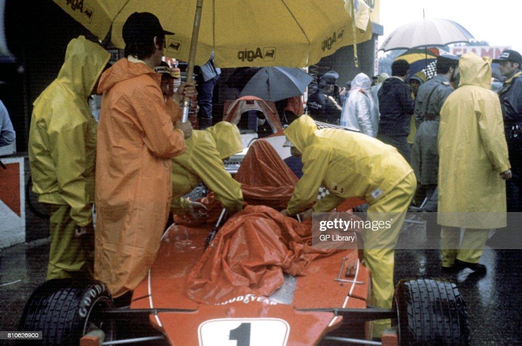 Ferrari 312T Wet Pits. : News Photo