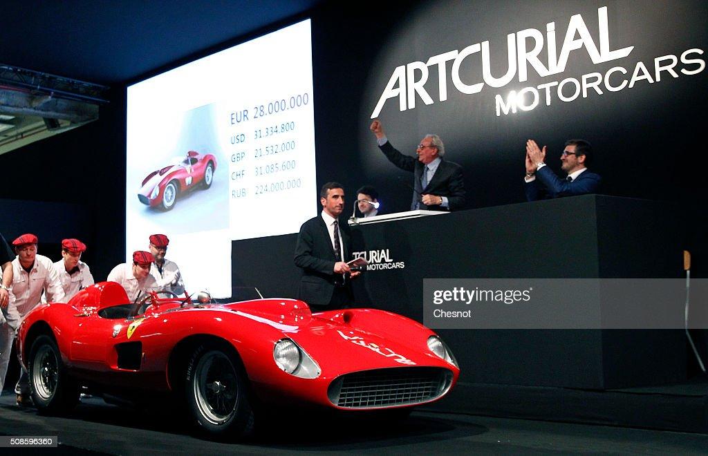 Ferrari 335 S Spider Scaglietti Model From The Pierre Bardinon Nachrichtenfoto Getty Images