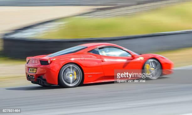 ferrari 458 italia exclusivo v8 coche deportivo italiano - ferrari fotografías e imágenes de stock