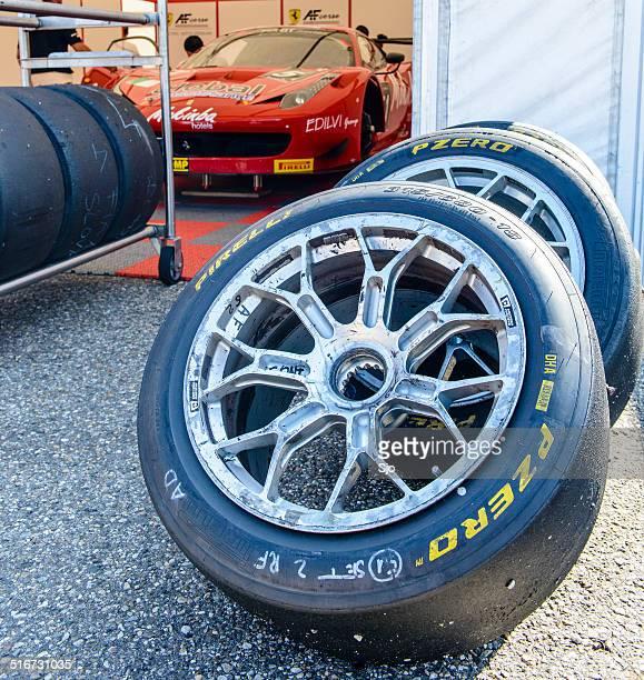 フェラーリ・458 イタリアレースパネル - italia ストックフォトと画像