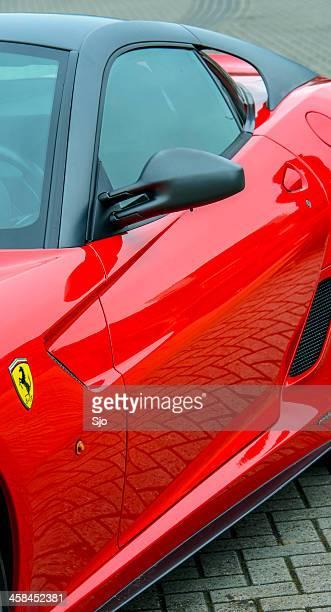 ferrari 599 gto v12 alto rendimiento de un coche de carreras - ferrari fotografías e imágenes de stock