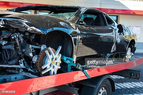 Ferrari nach Unfall