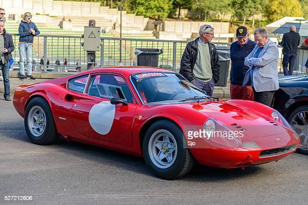 Ferrari Dino 246 GT clásico coche deportivo