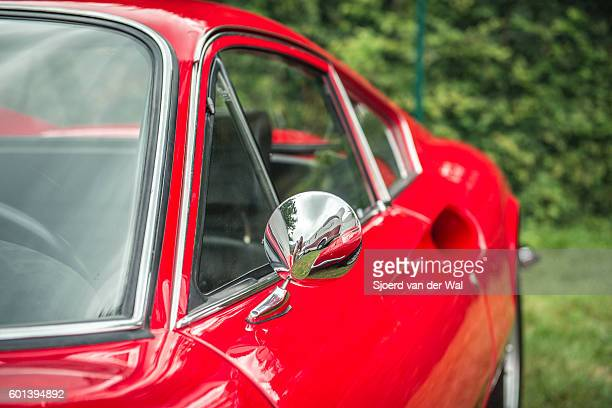 "ferrari dino 246 gt italian vintage sports car detail - ""sjoerd van der wal"" photos et images de collection"