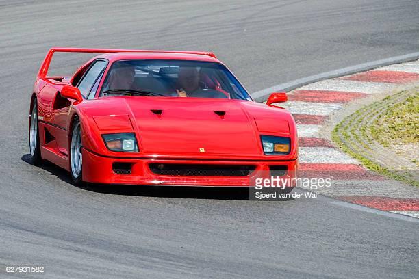 """ferrari f40 1980s italian supercar at high speed - """"sjoerd van der wal"""" photos et images de collection"""