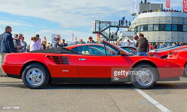 Ferrari Mondial 8 descapotable coche deportivo, vista lateral