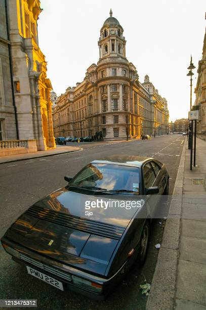 """ferrari mondial sports car parked on the side of a street in london - """"sjoerd van der wal"""" or """"sjo"""" stock pictures, royalty-free photos & images"""