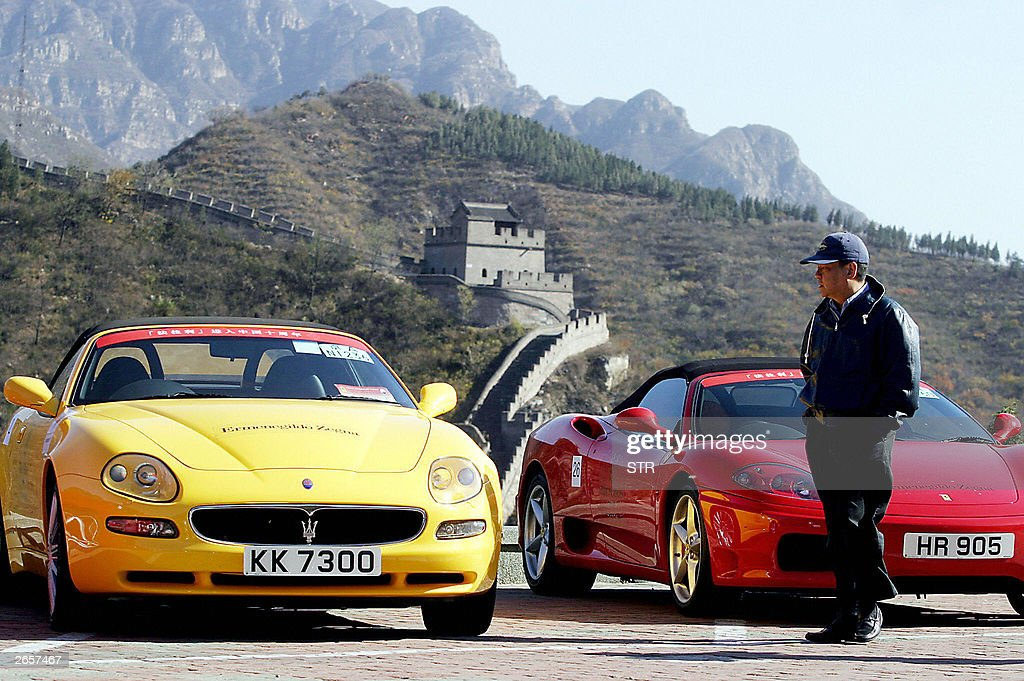 Ferrari Sports Cars Line Up With The Bac