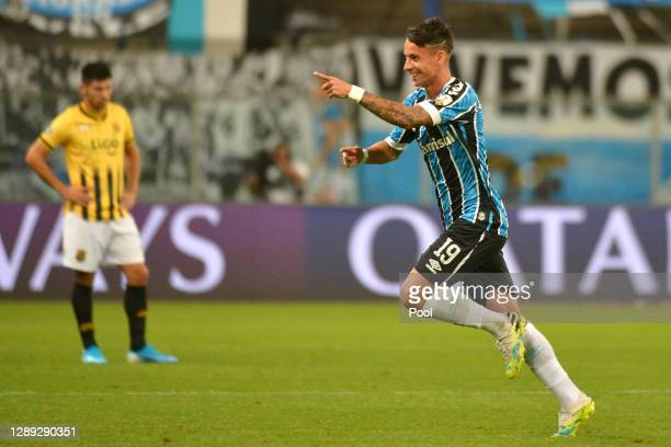 Ferreira of Gremio celebrates after scoring the first goal of his team during a round of sixteen second leg match of Copa CONMEBOL Libertadores...