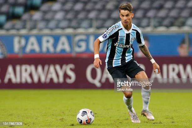 Ferreira of Gremio controls the ball during a match between Gremio and Lanus as part of group H of Copa CONMEBOL Sudamericana 2021 at Arena do Gremio...