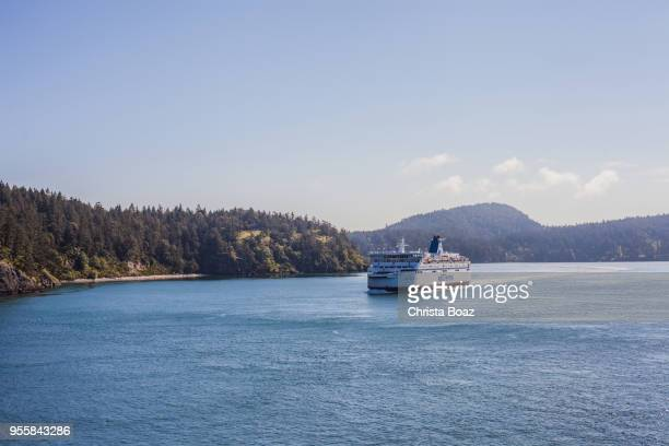 bc ferries in the gulf islands - ferry stock pictures, royalty-free photos & images