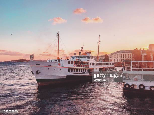 ferries - istanbul stock pictures, royalty-free photos & images