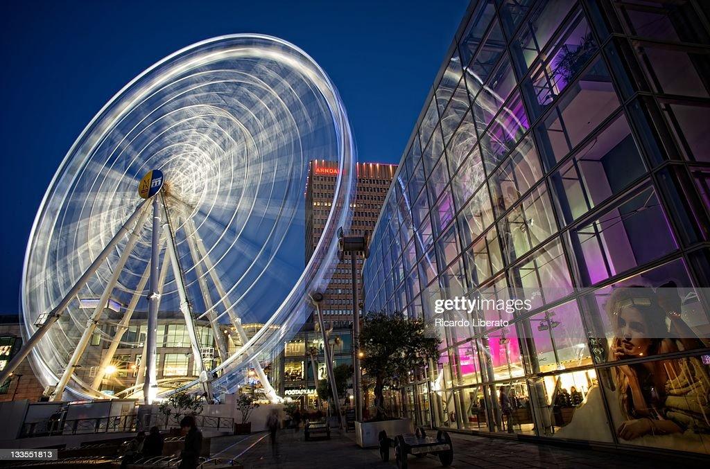 Ferris wheel at night : Stock Photo