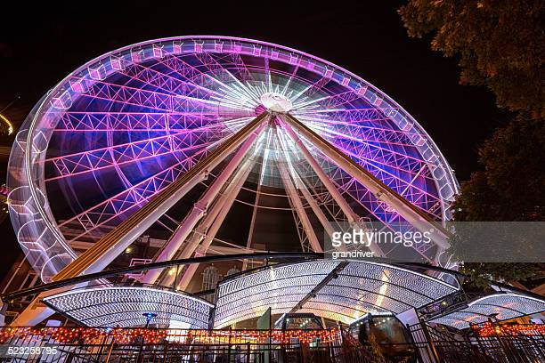 ferris wheel at night - dallas texas stock pictures, royalty-free photos & images