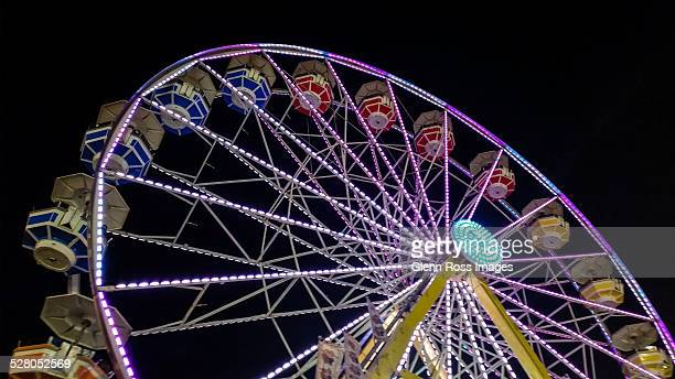 ferris wheel at night - columbia south carolina stock pictures, royalty-free photos & images