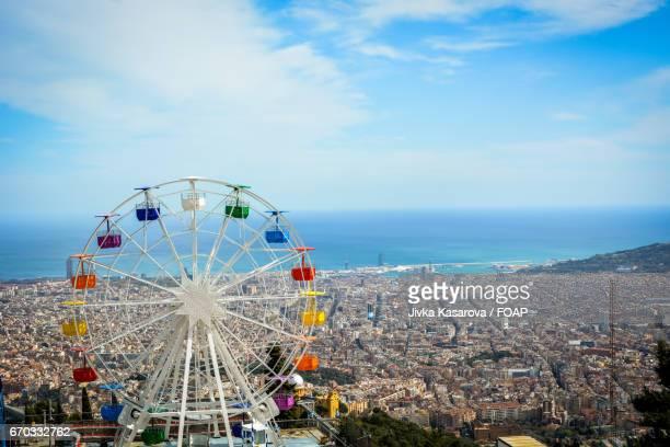 ferris wheel at tibidabo amusement park - tibidabo stock pictures, royalty-free photos & images