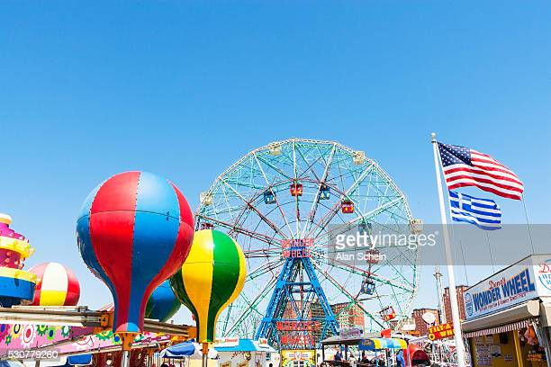 ferris wheel, coney island - coney island stock pictures, royalty-free photos & images
