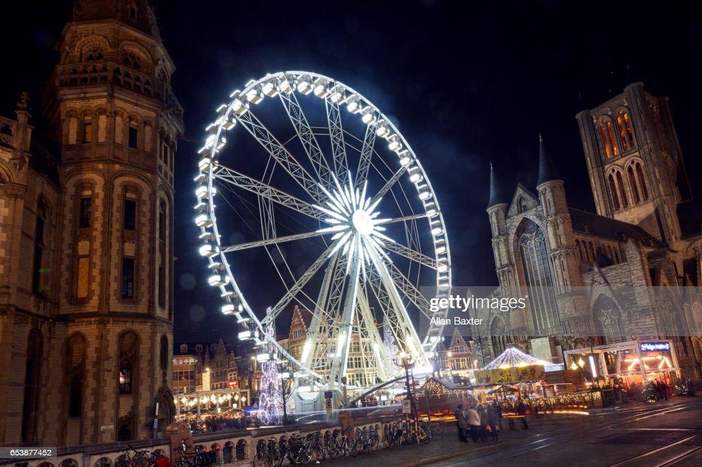 Ferris Wheel in Ghent Christmas market at night : ストックフォト
