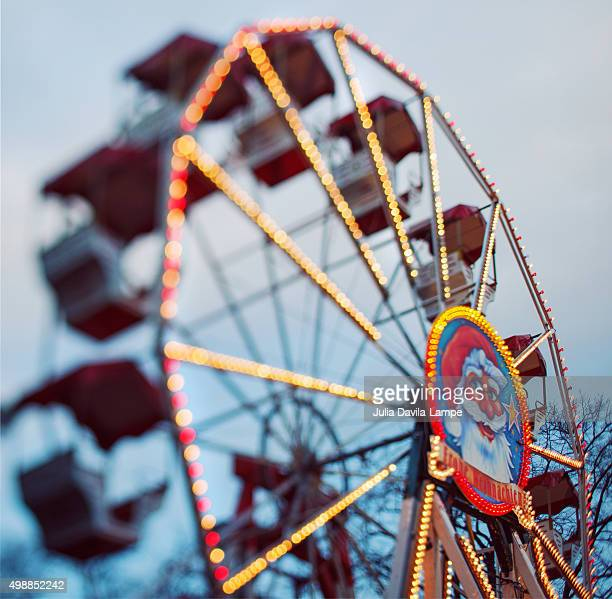 ferris wheel - julia scharf stock-fotos und bilder