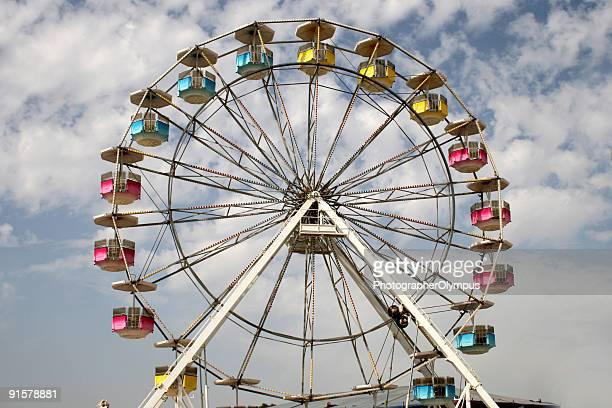 ferris wheel - ferris wheel stock pictures, royalty-free photos & images