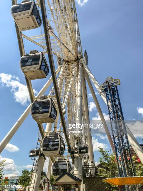 ferris wheel - pigeon forge tennessee - pigeon forge stock pictures, royalty-free photos & images