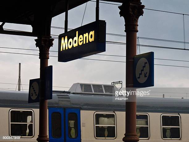 Ferrovia (railway station), Modena