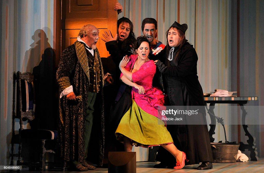 'Il Barbiere di Siviglia' Performed By The Royal Opera : News Photo