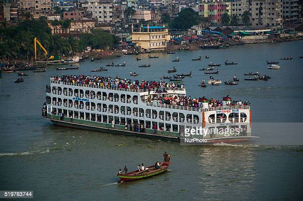 A ferry full of people at Sadarghat near Dhaka Bangladesh 04 October 2014 Sadarghat is one of the prime places for the climate refugees to get inside...