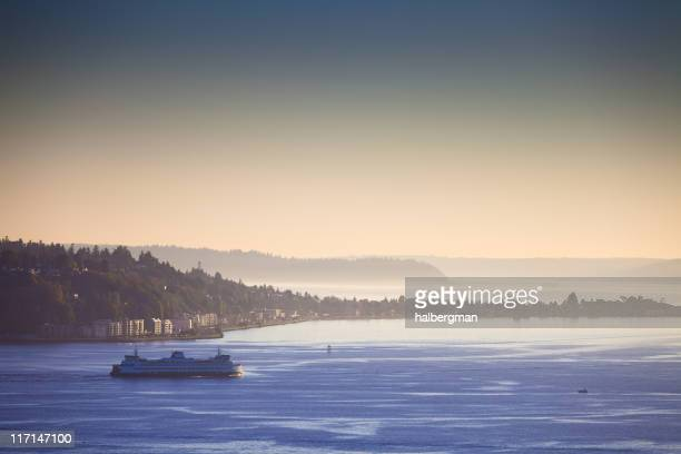 ferry on puget sound - puget sound stock pictures, royalty-free photos & images