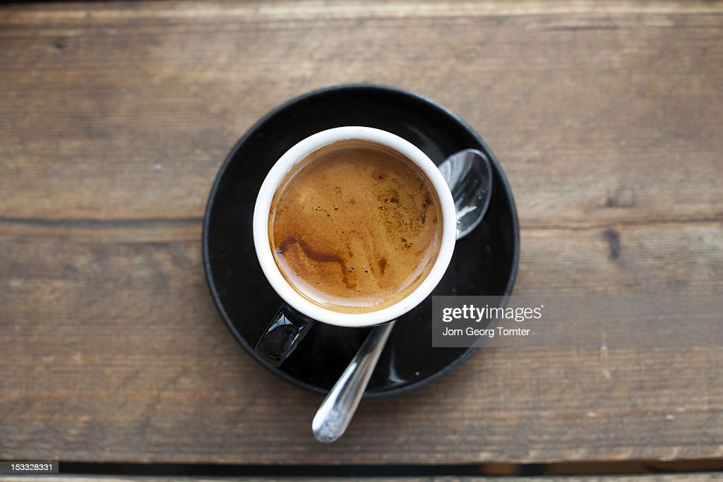 Feshly brewed espresso : Stock Photo