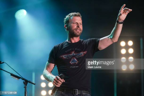 CMA FEST CMA Fest the Music Event of Summer brings the hottest music acts together on one stage for three full hours of epic collaborations and...