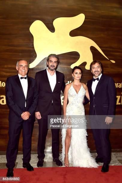 Festival director Alberto Barbera Fernando Leon de Aranoa Penelope Cruz and Javier Bardem walk the red carpet ahead of the 'Loving Pablo' screening...