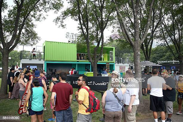 Festival goers wait in line for their Samsung Galaxy Lounge wristbands at Samsung VRPalooza at Lollapalooza 2016 Day 1 at Grant Park on July 28 2016...