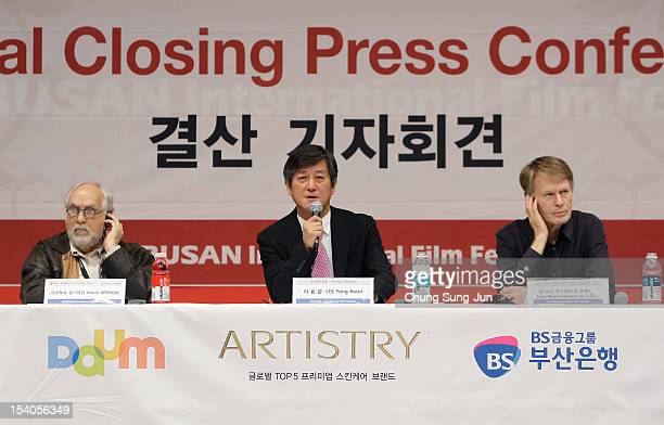 Festival jury Arturo Ripstein Festival director Lee YongKwan and jury JeanMarie Gustave Le Clezio attend a closing press conference during the 17th...