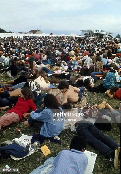 Festival Of The Isle Of Wight Le Festival de pop music sur l'île de Wight avec Bob Dylan en vedette réunit plus de 200 000 hippies en août 1969 la...